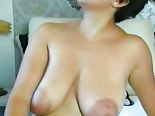 amateur big-tits boobs milf webcam