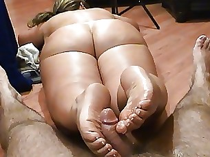 fetish foot-fetish footjob milf nude amateur ass