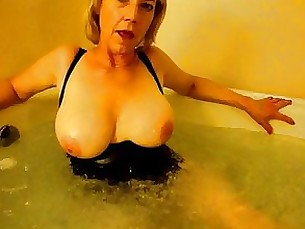 amateur blonde kitty masturbation mature milf solo